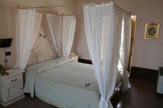 Palazzo Gambuzza: letto