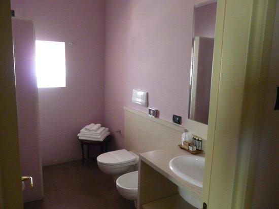 Palazzo Gambuzza: bagno