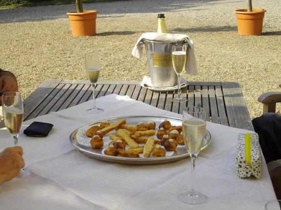Le Manoir des Impressionnistes & Spa : afternoon apero...