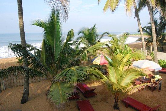 A-Prima: beach view