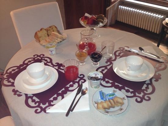 B&B La Dimora di Giulietta: petit déjeuner