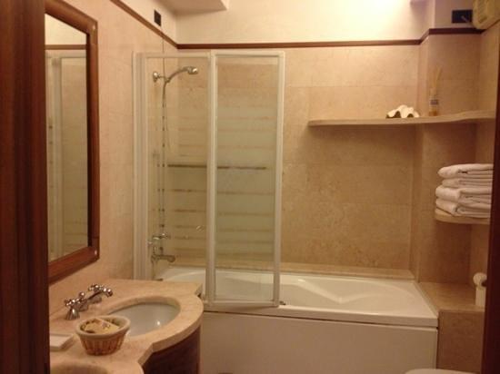 B&B La Dimora di Giulietta: salle de bain