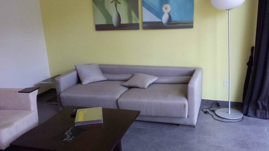 Commune by the Great Wall: Sparsely furnished living room