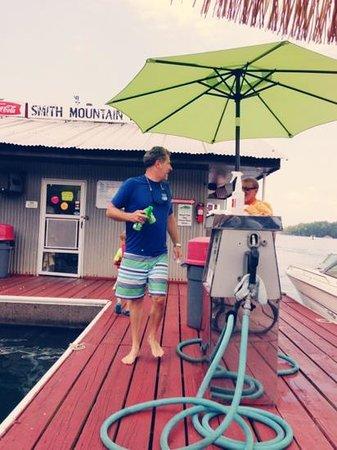 Smith Mountain Dock & Lodge: Smith Mountain Dock