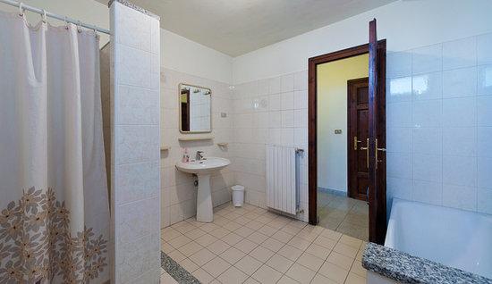 Affittacamere Bolondi : Uno dei bagni
