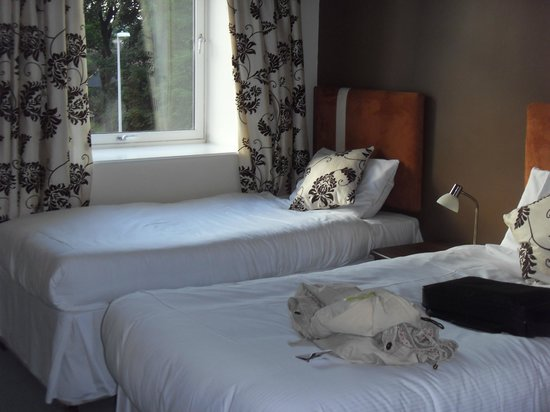 The Spires Serviced Apartments: Twin beds