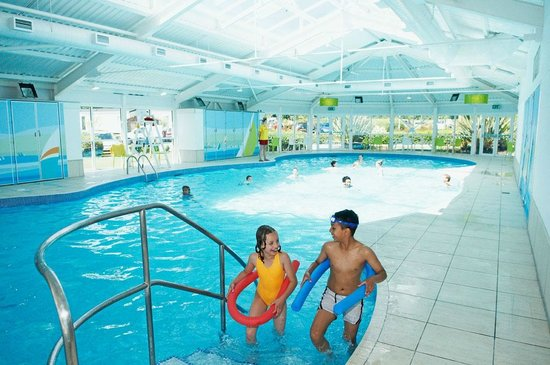 Caf bar at weymouth bay holiday park picture of - Hotels in weymouth with indoor swimming pool ...