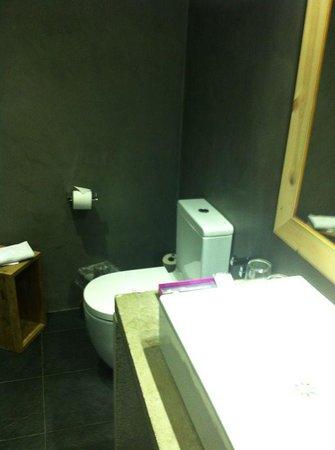 Hotel Zenit Abeba: Baño 2