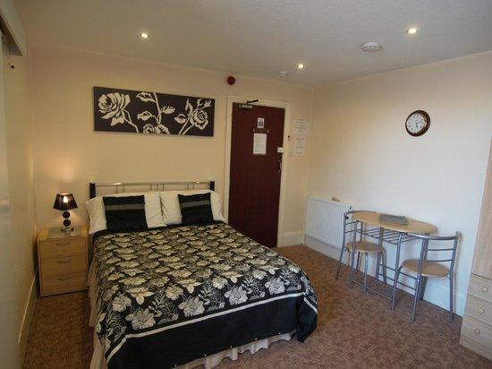 Waverley House Apartments: flat 9 double ensuite