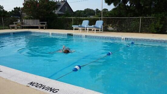 Cape Pines Motel: pool!