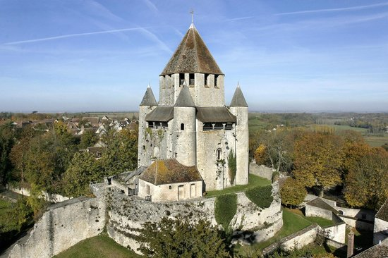 La tour cesar provins 2018 all you need to know before you go with photos tripadvisor - La table saint jean provins ...