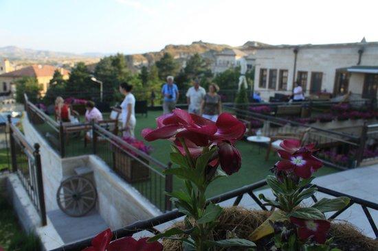 Fresco Cave Suites & Mansions: Fresco terrace