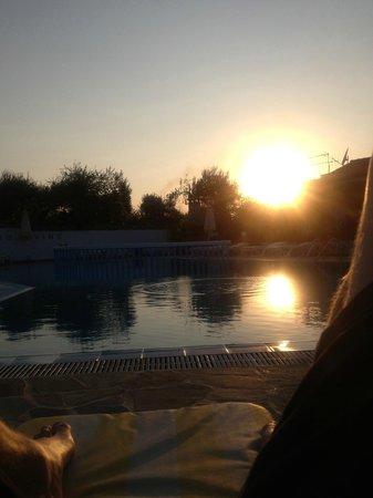Sunlight Studios : Pool in the evening