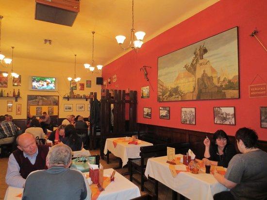 Restaurace U Pomniku: The dining room