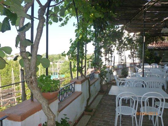 De Maria House B&B : la terrazza del ristorante