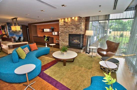 Fairfield Inn & Suites Towanda Wysox: Lobby Seating Area