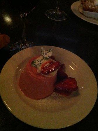 Rue Dumaine : Strawberry Dessert