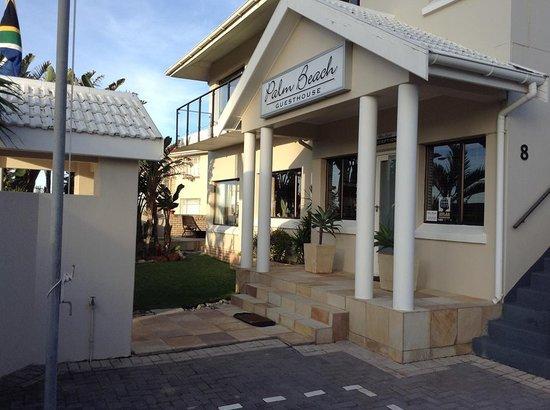 Palm Beach Guesthouse : palm beach exterior