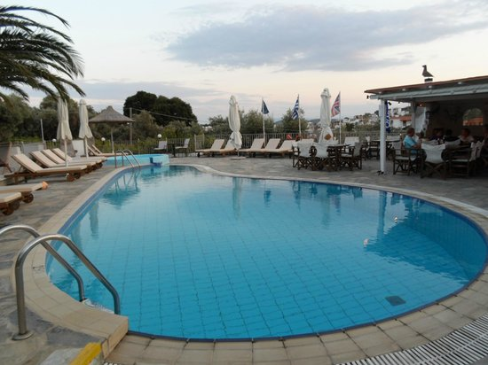 Elsa Hotel: pool