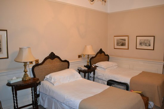 Commodore Hotel: Townhouse Room #52
