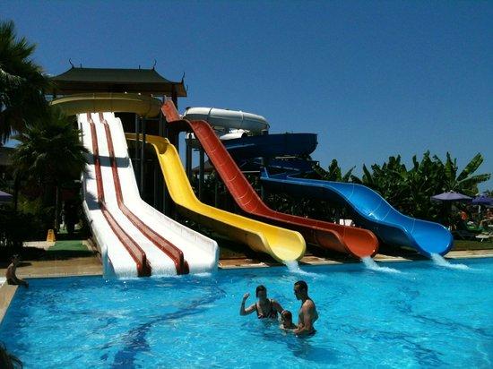 Siam Elegance Resort & Spa : Toboggans