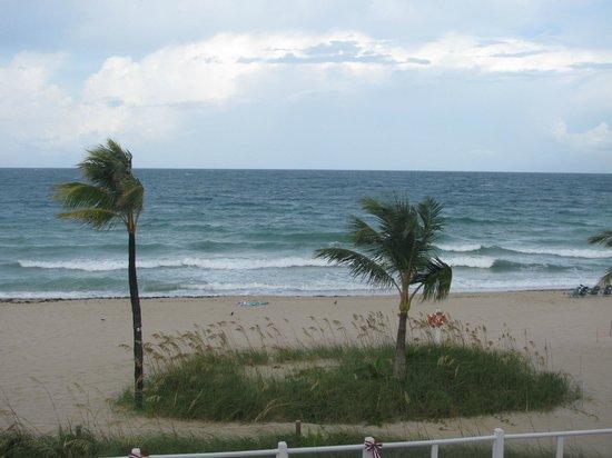 Windjammer Resort : the beachfront