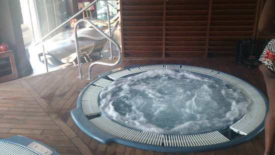 Clarion Suites Senart Paris Sud : Spa