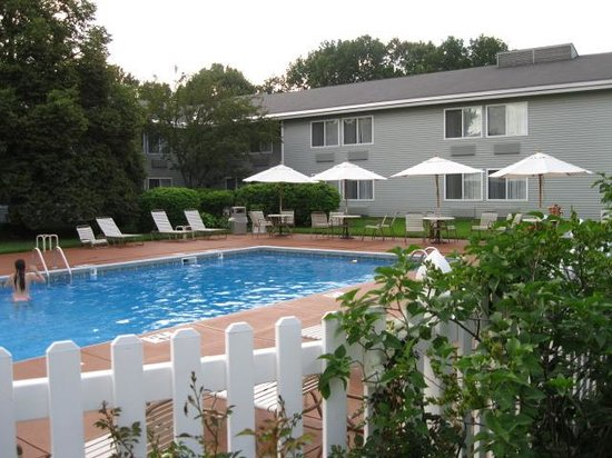 Best Western Plus Windjammer Inn & Conference Center : outdoor pool