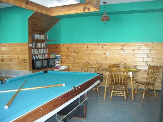 Pier 100 Cottage Resort : Games Room