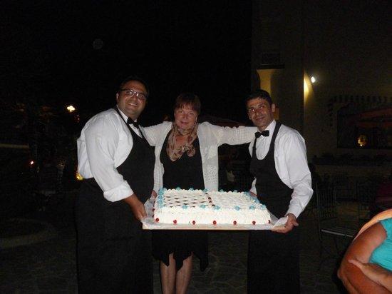 Hotel Zaro: маленькая такая пироженка для гостей отеля
