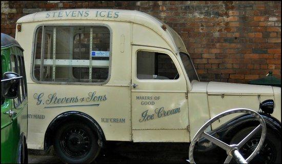 Bradford Industrial Museum: vintage ice cream van