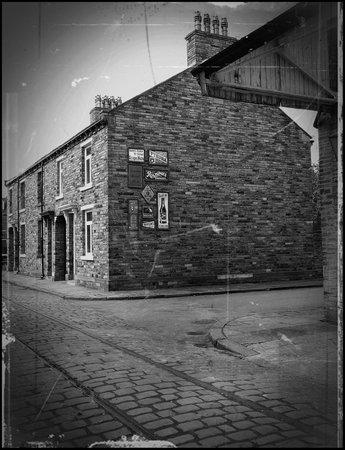 Bradford Industrial Museum: mill workers houses