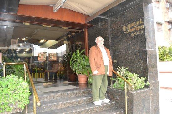 Hotel Del Jardin: Frente del Hotel