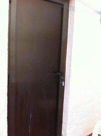 Hostal Pension del Mar : puerta de la habitación