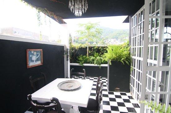 Rivera del Rio: patio of Candelaria, adjacent to pool