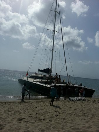 St. Kitts Marriott Resort & The Royal Beach Casino: Fun Leeward Island Charter for Snorkeling