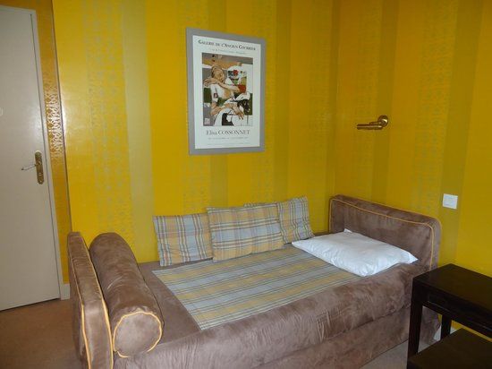 Best Western Hotel Le Guilhem : cama extra