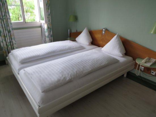 Hotel Balm Meggen: Bed