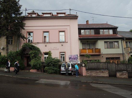 Hotel Romantik: Hotel od strony ulicy