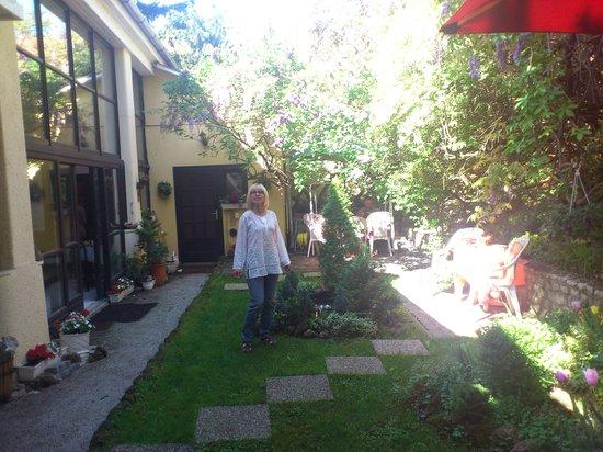 Hotel Romantik: Hotelowe patio 1