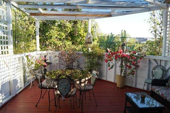Garden Cottage B & B : Petit coin de paradis