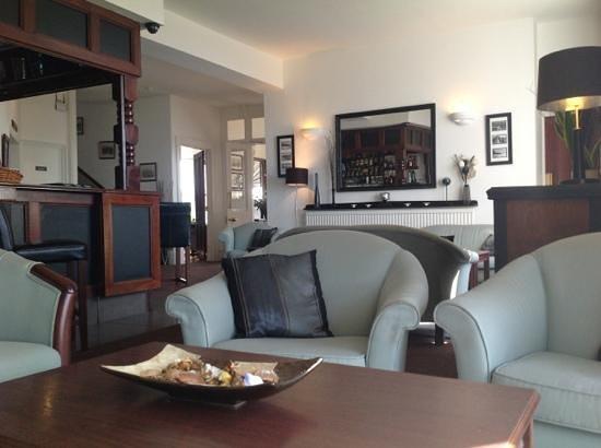 Beachfield Hotel Photo