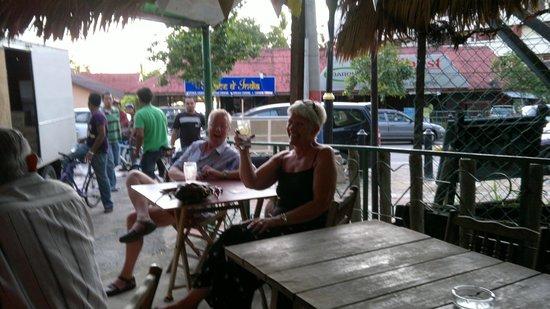 Debbie's Place Irish Pub: daytime opening hours