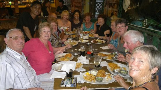 Debbie's Place Irish Pub: the pub food is served hot and with love