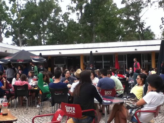 Lisboa Camping & Bungalows: Restaurant area
