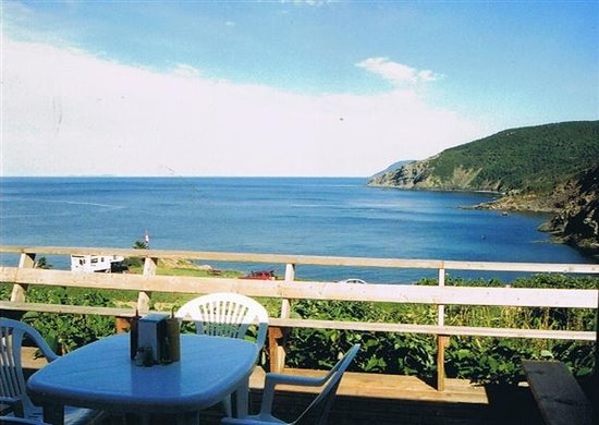 Meat Cove Campground & Oceanside Chowder Hut: Dining in Meat Cove