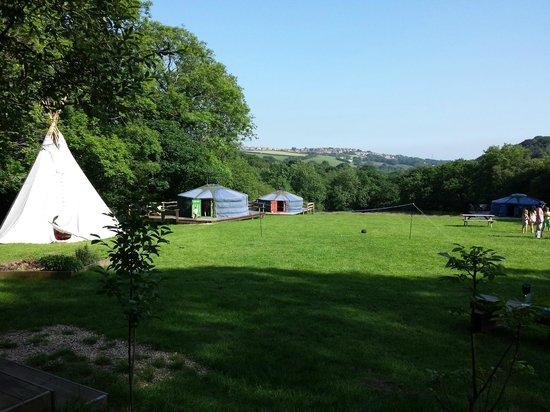 Cwm Tawel Yurts: tipi and yurts