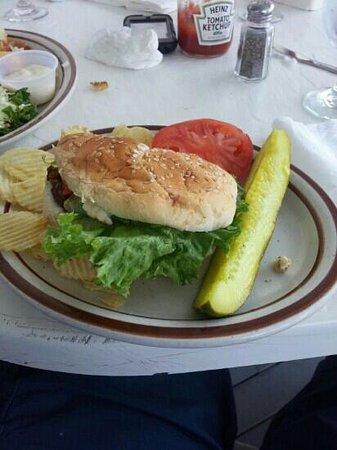 Finn's Seafood Restaurant : Nice Vegan Burger