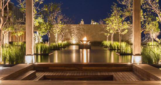 NIZUC Resort and Spa: water pond