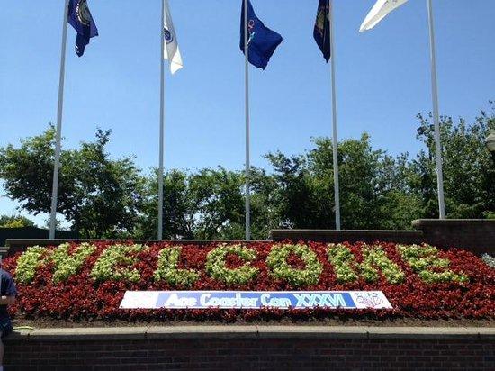 Six Flags New England: SFNE Gate